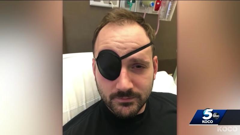 Un hombre sufre un derrame cerebral por crujirse demasiado el cuello