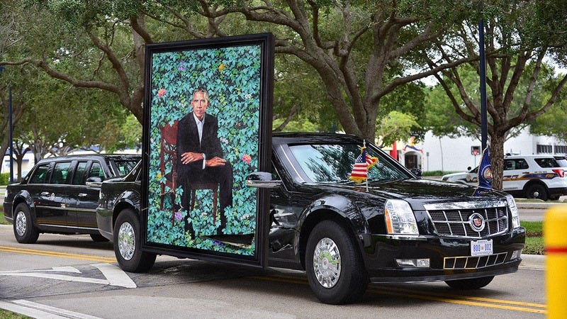 Illustration for article titled Beautiful! Obama Just Proudly Nailed His Presidential Portrait To The Side Of His Car