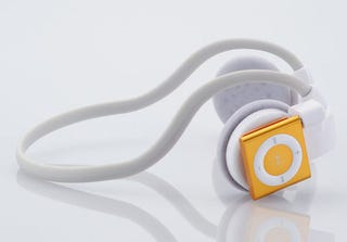 Illustration for article titled Elecom iPod Shuffle Headphones: Pure Wireless