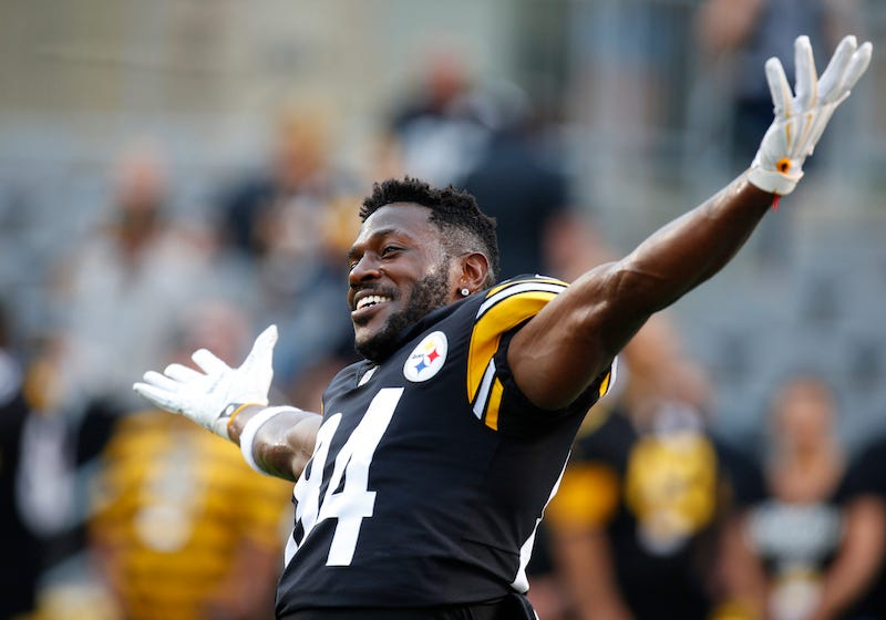 brand new 94c65 d7e32 The Latest Antonio Brown Story Is Weird Even For Antonio Brown
