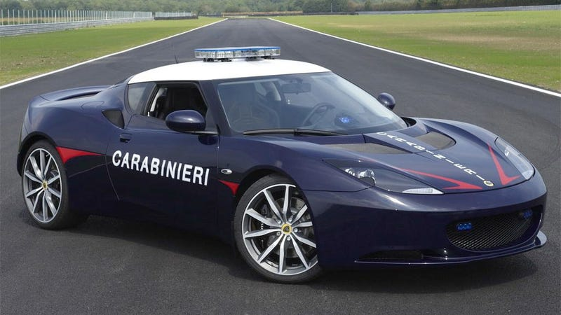 Illustration for article titled Italian cops now cruise in a Lotus Evora