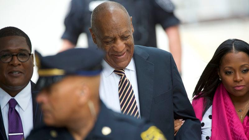 Cosby arrives in court, accompanied by Keshia Knight Pulliam. (Photo: Mark Makela / Getty Images)