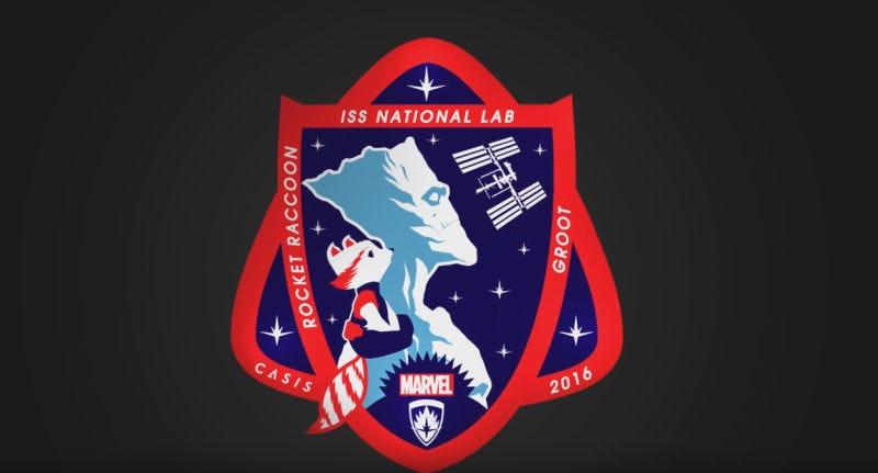 Illustration for article titled En el nuevo y genial parche de la NASA aparecen Groot y Rocket Raccoon