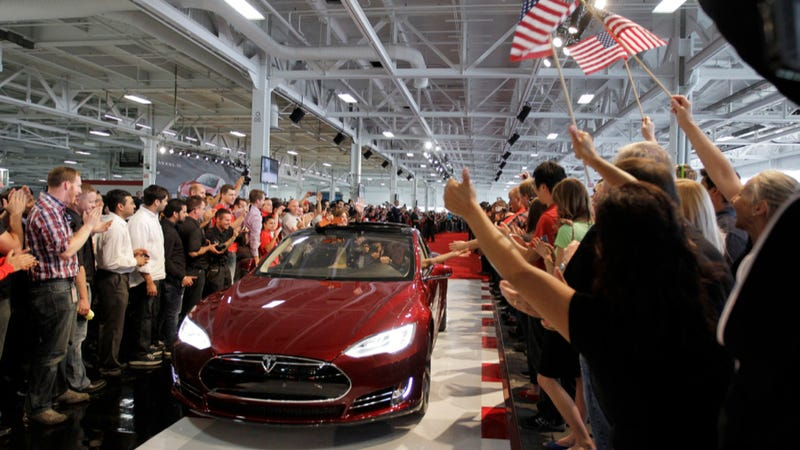 Illustration for article titled Tesla Model S Outsells All Of Its German Luxury Competitors