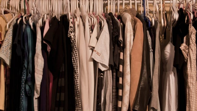 De-Clutter Your Wardrobe With Help From an Honest Friend