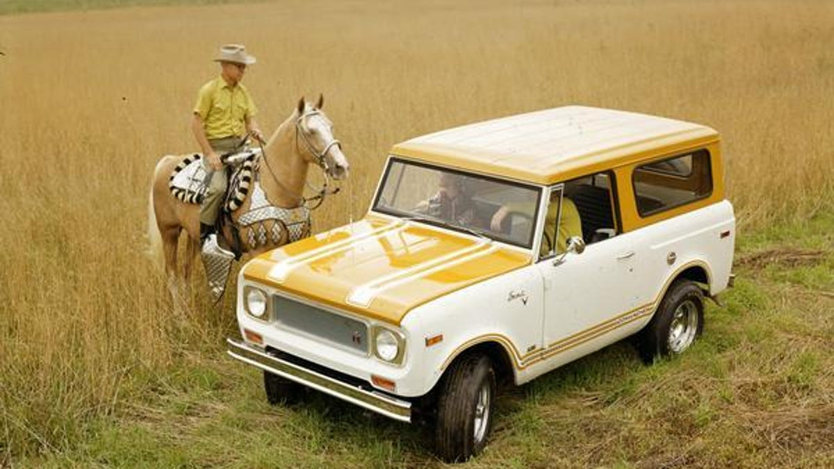 Which International Scout Should I Buy: Original 80/800 Or