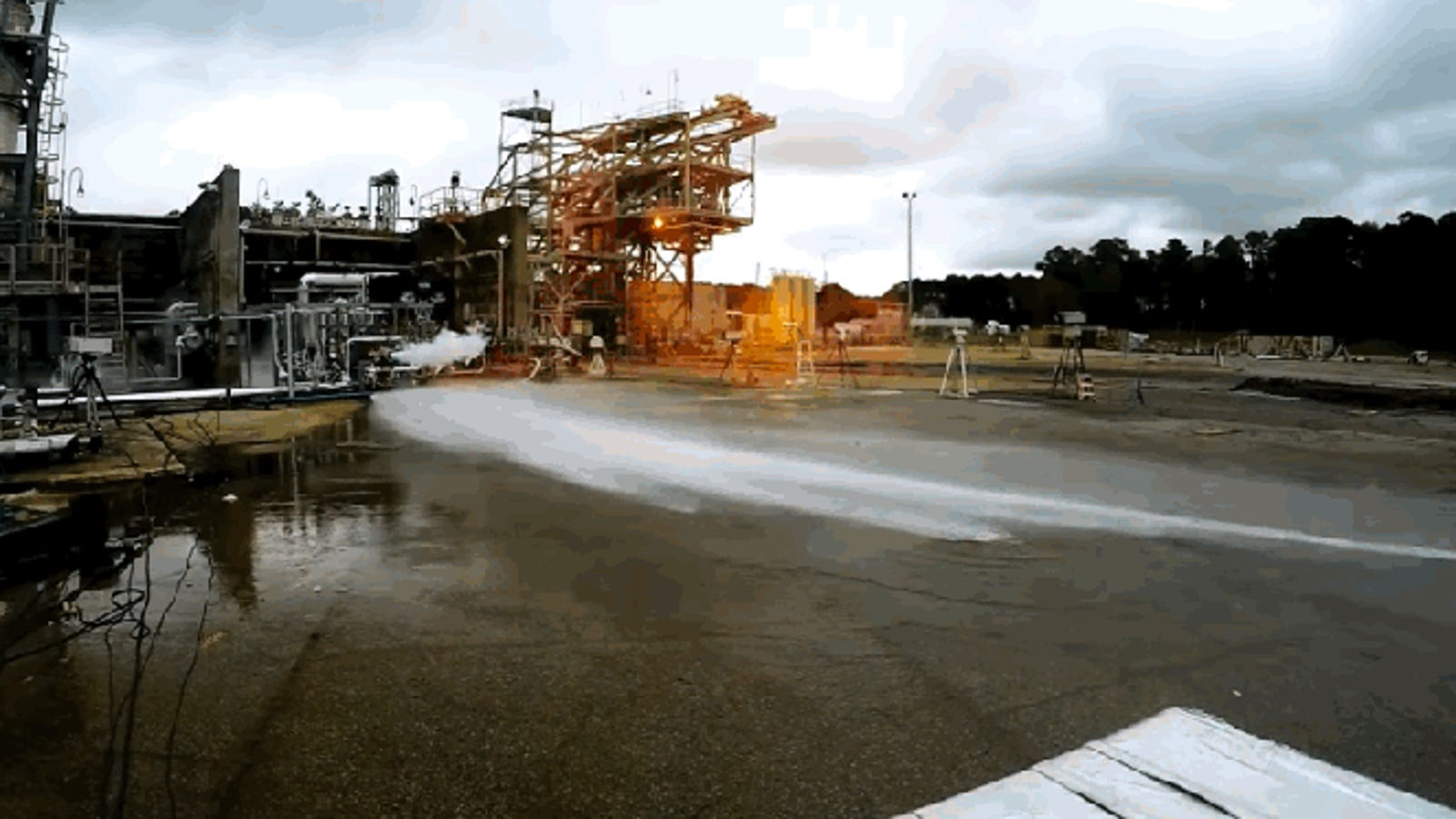 NASA's 3D-Printed Rocket Engine Spews Fire and 20,000 Pounds of Thrust