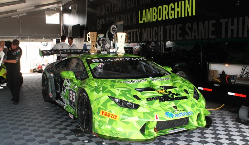 Illustration for article titled Inside The Lamborghini Super Trofeo Huracán, A Race Car Made Of Angles And Loudness