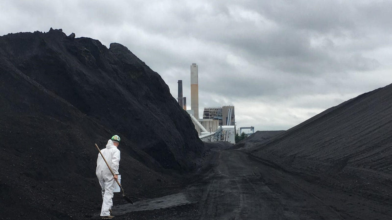 Nearly 70 Activists Arrested Attempting to Steal Coal From One of New England's Biggest Coal Plants