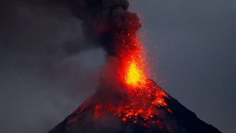 Mount Mayon as seen from Legazpi city, Albay province, on Jan. 23. Photo: AP