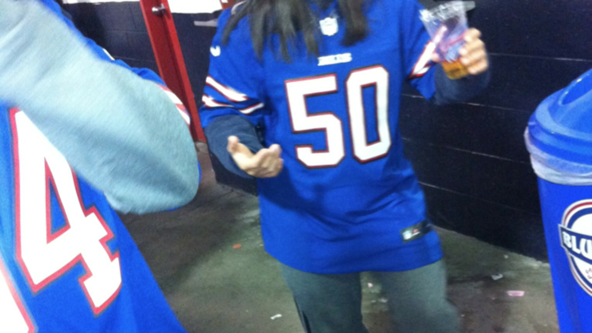 separation shoes a2b48 2c4c7 Report From Buffalo: Kiko Alonso Jersey Traded For Blowjob