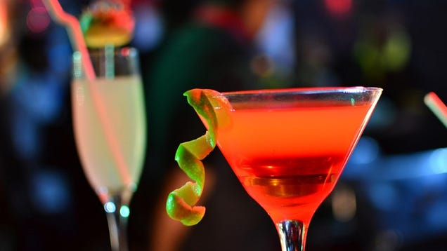 Beware These Risky Cocktail Ingredients When You Go Out Drinking