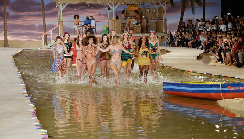 Illustration for article titled This Tommy Hilfiger Water Runway Is Almost Too Beautiful