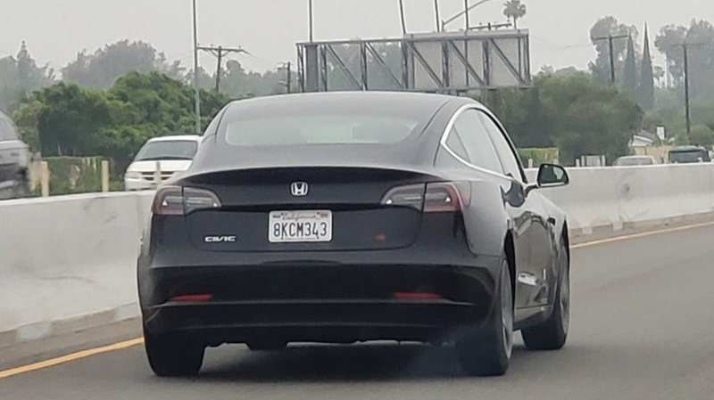 Illustration for article titled This Tesla Model 3 Badged as a 'Civic Si' Actually Kind of Works
