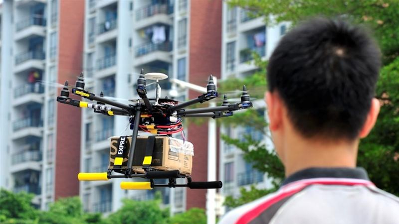 Illustration for article titled China's Now Using Drones to Deliver Packages