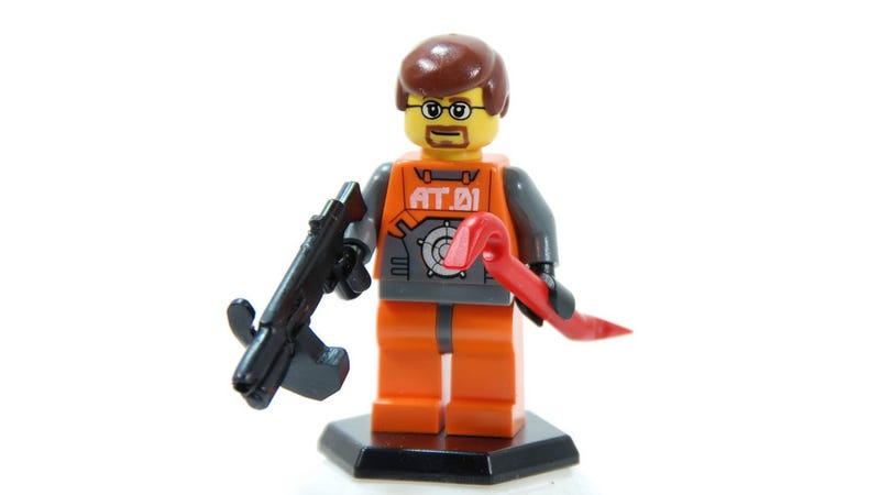 Illustration for article titled Half-Life LEGO? One Man Made It Happen.
