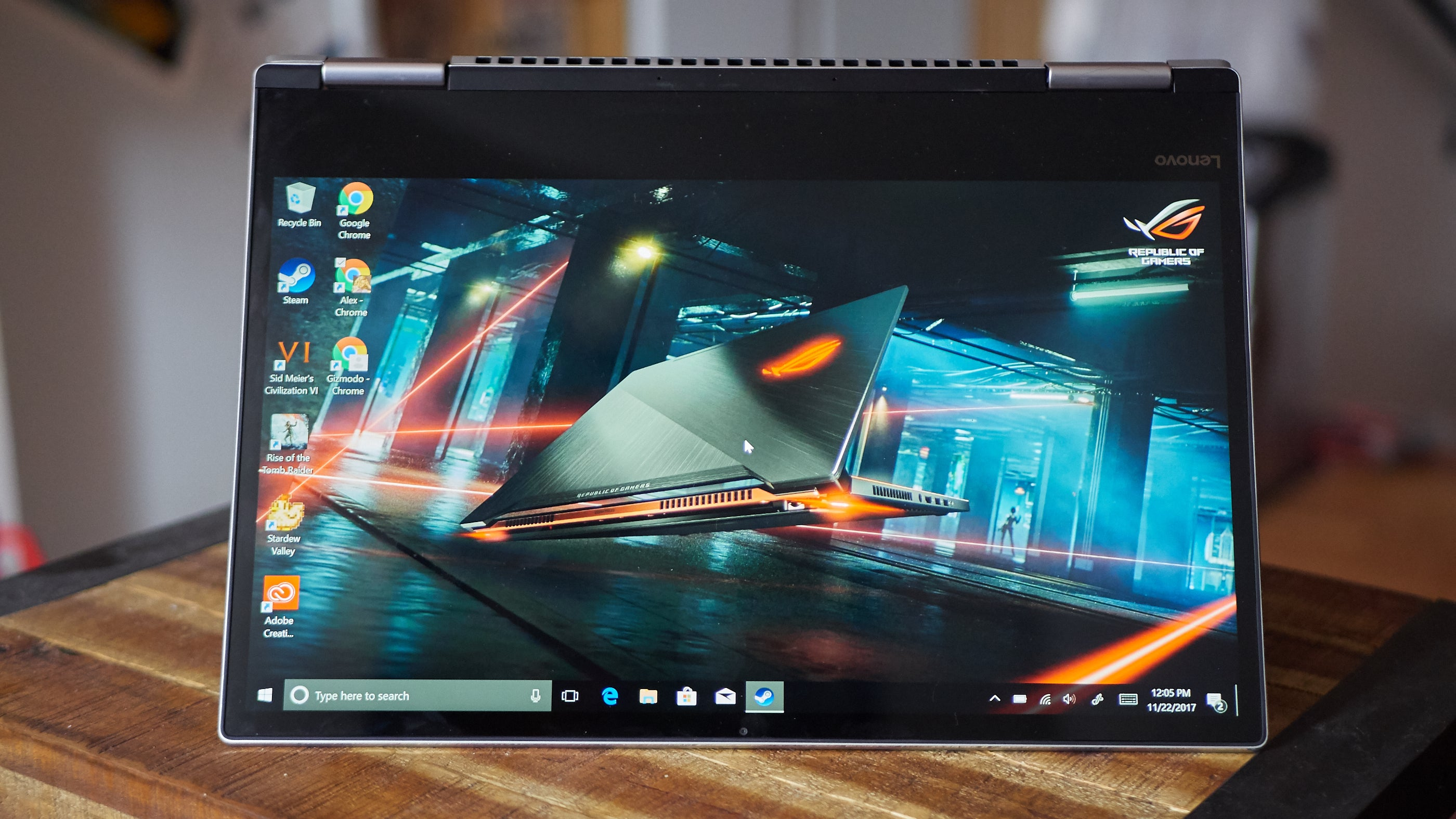 Lenovo's Yoga 720 Is a Lot of Laptop for Not a Lot of Money