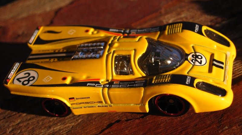 Illustration for article titled Hot Wheels Porsche series Porsche 917 and a vintage Blackwall friend.