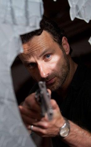 Illustration for article titled New Walking Dead Stills