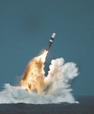 Illustration for article titled Non-Nuclear US ICBM Can Strike Iran In 30 Minutes