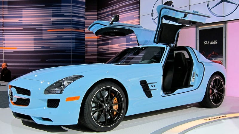 Illustration for article titled Gulf-colored Mercedes SLS AMG treads lightly on history