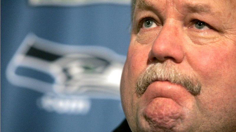 Illustration for article titled Mike Holmgren Finally Admits To Friends That He's Working For Cleveland Browns