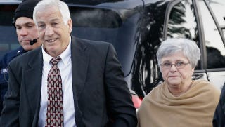 Illustration for article titled Dottie Sandusky Maintains Her Husband's Innocence, May Go On Oprah With Him