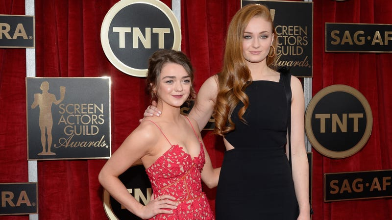 Illustration for article titled Game of Thrones' Sophie Turner and Maisie Williams bonded by getting high, eating