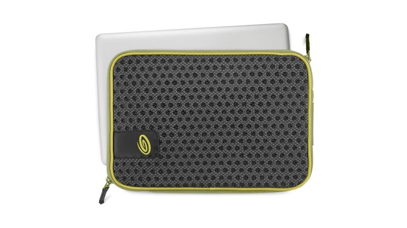 Illustration for article titled Timbuk2's Crater Case Lets Your MacBook Air Breathe