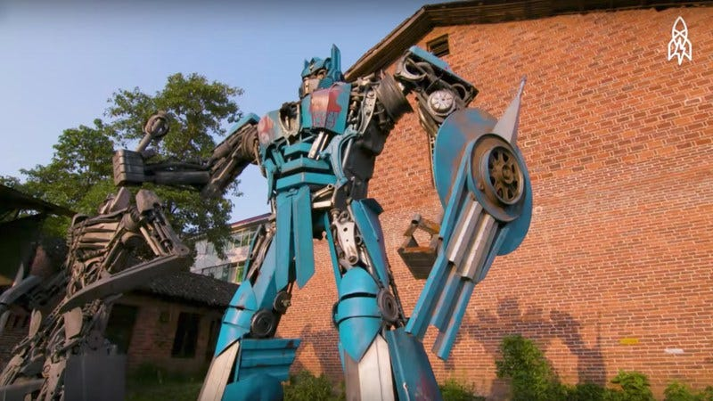 Screenshot: How a Father-Son Duo Turns Trash into Transformers