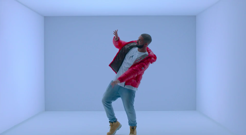 Illustration for article titled Drake Says He'll Rap About Fortnite If Epic Makes A Hotline Bling Emote