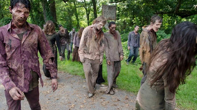 Illustration for article titled The Walking Dead spinoff thinks that zombies would actually walk in L.A.