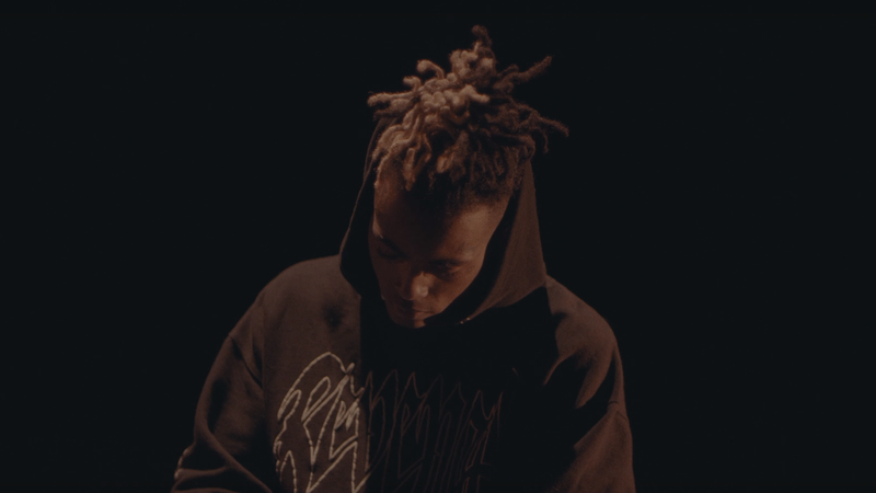 Illustration for article titled Despite Industry-Wide Questioning Over Abuse, XXXTentacion Reportedly Signed a $6 Million Deal [Updated]
