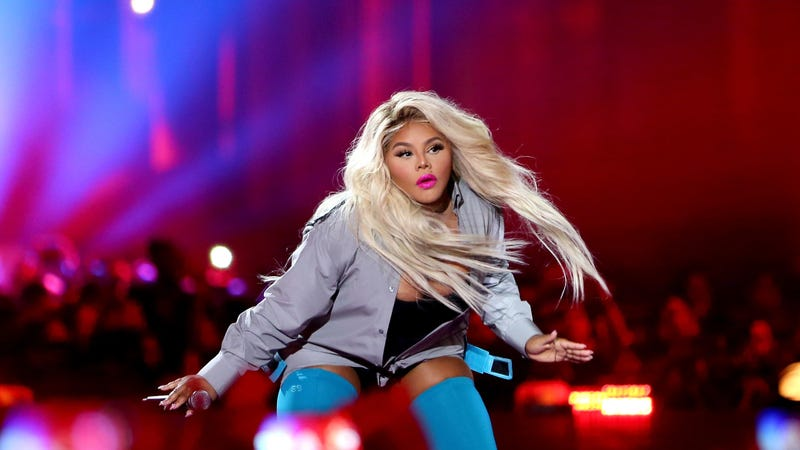 Lil' Kim performs during VH1 Hip Hop Honors: The 90s Game Changers at Paramount Studios on Sept. 17, 2017, in Los Angeles. (Maury Phillips/Getty Images)