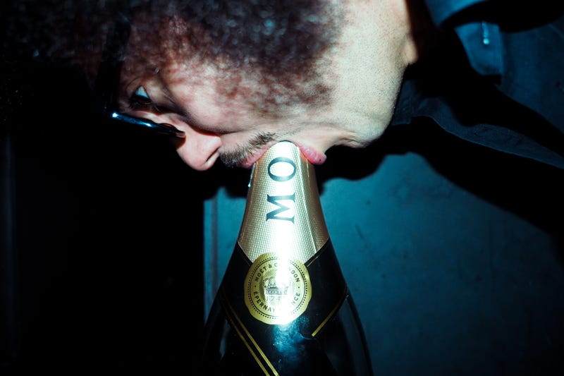 Illustration for article titled I DEEP THROATED $15K WORTH OF CHAMPAGNE IN VEGAS