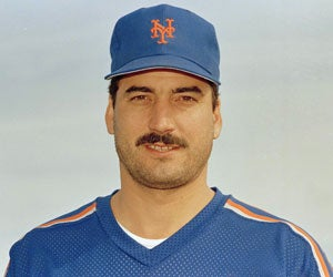 "Illustration for article titled How Keith Hernandez Deals With Younger Women: ""Sit And Stare"""
