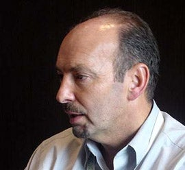 Illustration for article titled Peter Moore Thinks World of Goo Devs Can Teach EA Stuff (Like Leave EA?)