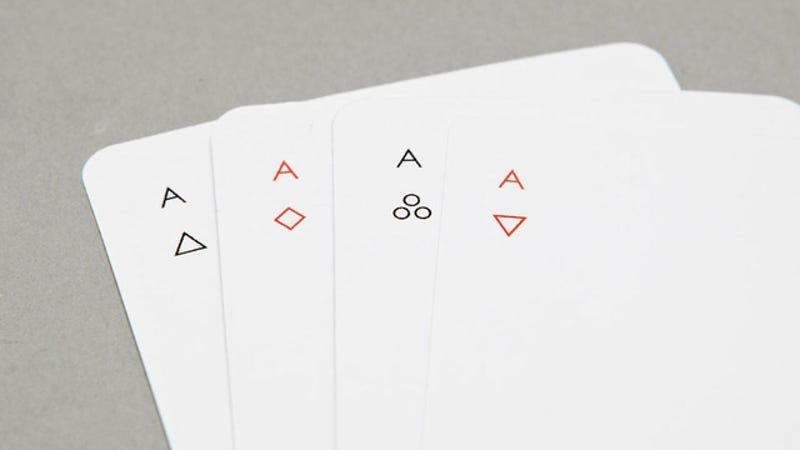 Illustration for article titled 10 barajas de cartas que te harán desear jugar al poker