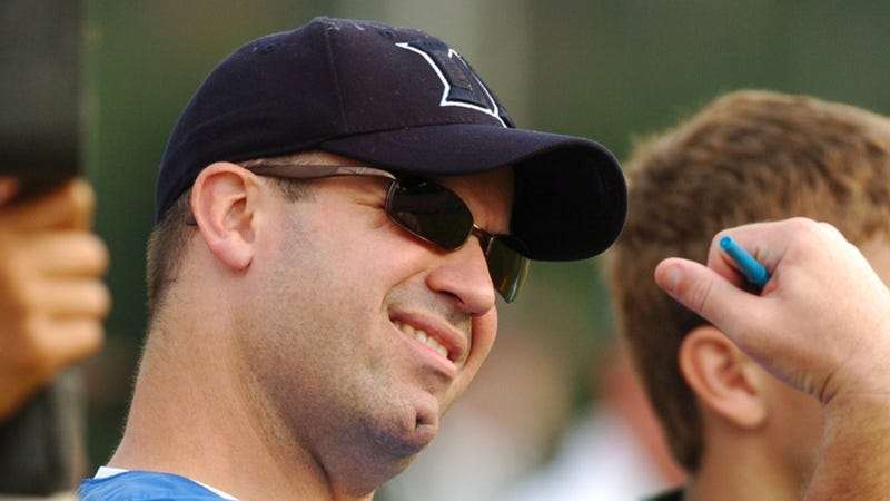 Illustration for article titled I-Team: Why Does New Penn State Coach Bill O'Brien Have A Hole In His Chin?
