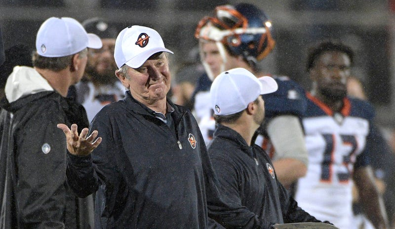 Orlando Apollos coach Steve Spurrier