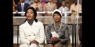 Angela Bassett and Mary J. Blige in Betty & Coretta (Philippe Bosse/Lifetime)