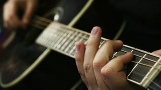 Illustration for article titled Why Playing Guitar Can Make Your Fingers Smell (and How to Prevent It)