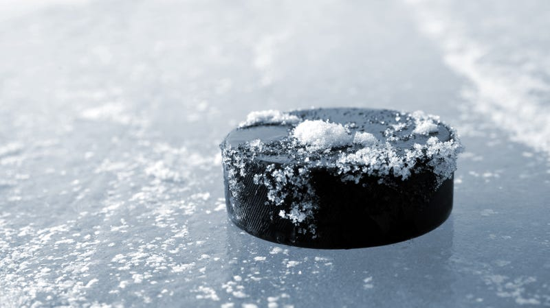 Illustration for article titled NHL borrows beer-can technology for new color-changing pucks