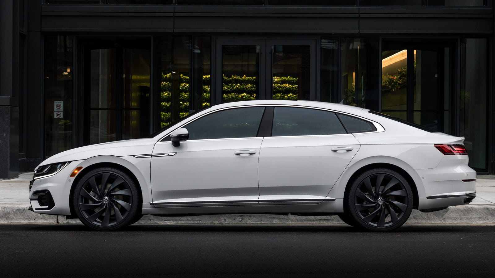 The Long-Delayed 2019 Volkswagen Arteon Will Start at $35,845
