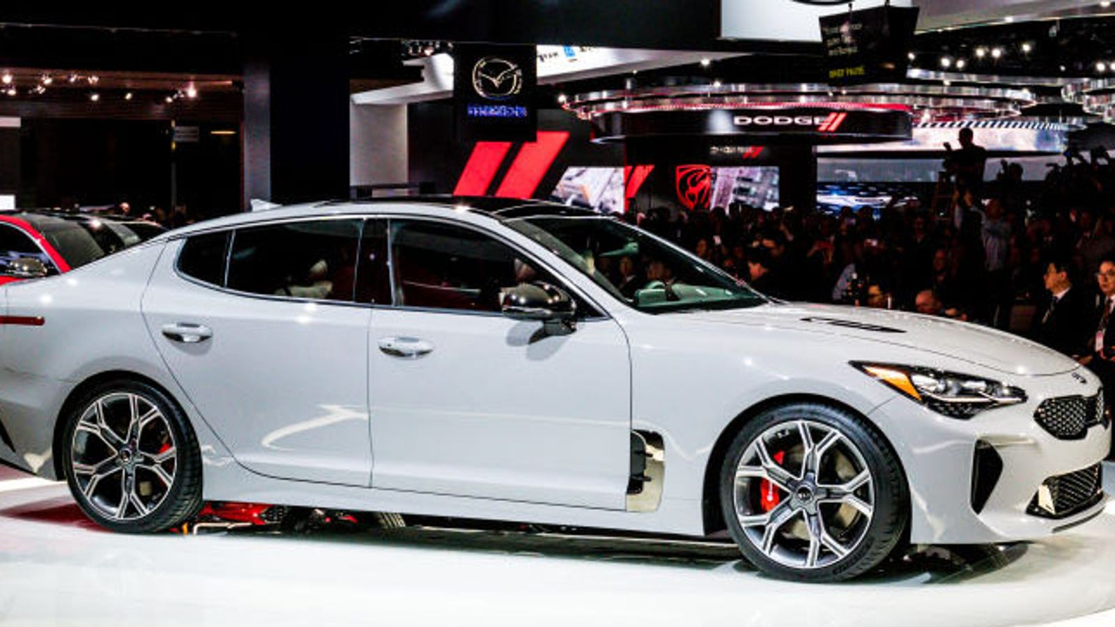The Kia Stinger GT Can Haul Ass To 60 MPH In Under Five ...