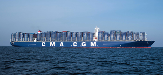 Illustration for article titled Most US Ports Are Still Woefully Unprepared to Welcome the New Generation of Megaships