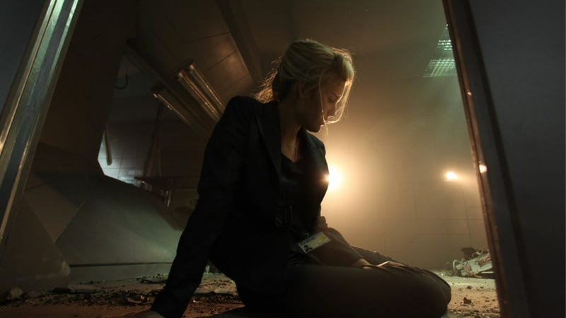 "New Lockout stills show off the sexy side of the ""space ..."