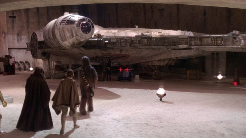 Illustration for article titled More leaked Star Wars set photos confirm presence of actual fake spaceships