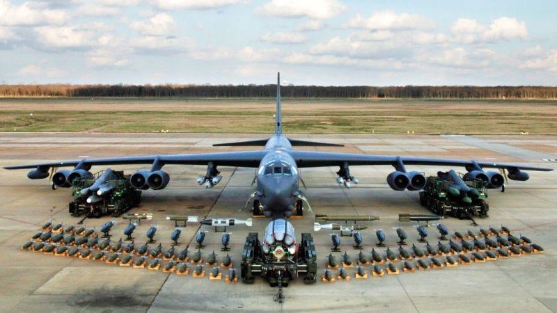 Illustration for article titled Estados Unidos parece estar preparando a sus bombarderos nucleares B–52 para cualquier amenaza de Corea del Norte