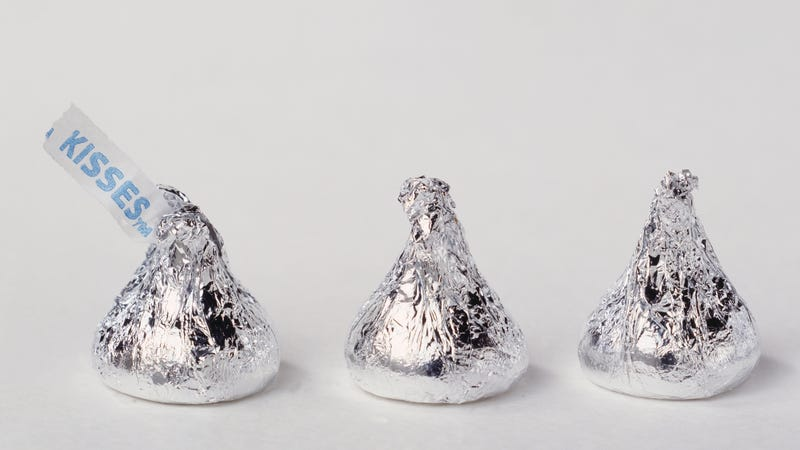 Illustration for article titled Hershey's has solved its Kisses-missing-tips problem